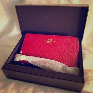 NWT Red Zippered Coach Leather Wallet